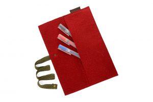 Пеналы, ручки и конверты
